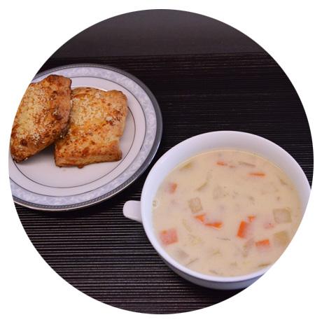 自家製スープとパン